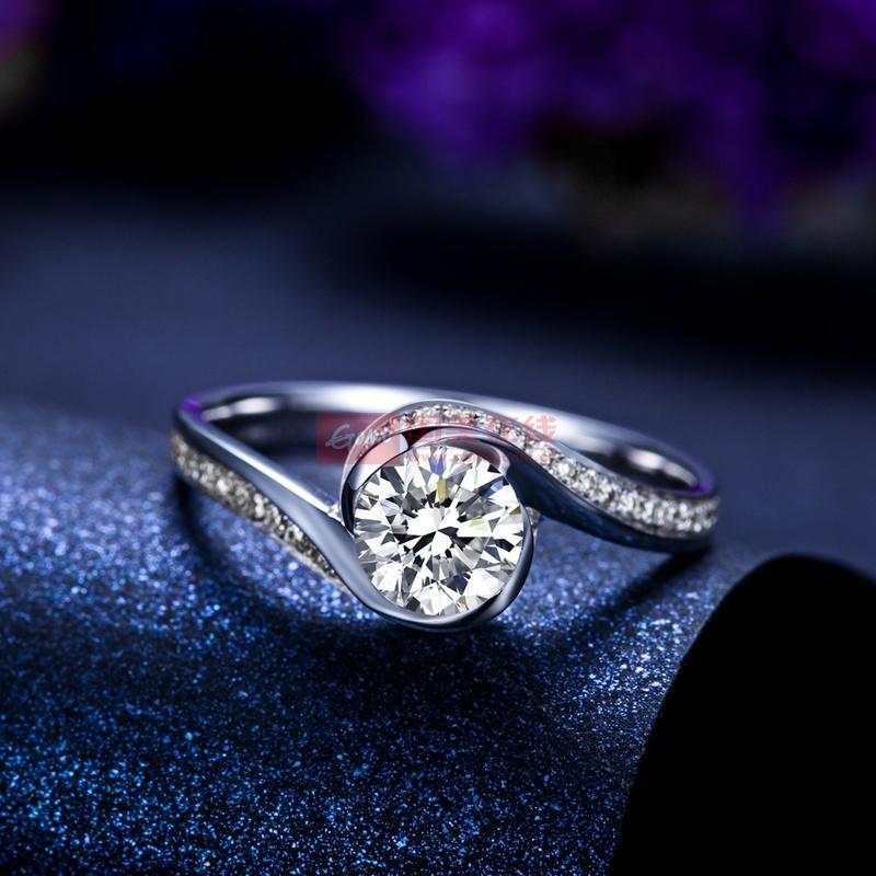 佐卡伊 倾城 白18k金钻戒 女 钻石戒指裸钻定制结婚求婚戒指正品(共42